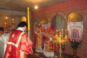Первая Божественная Литургия в нижнем приделе св. Царя Николая II